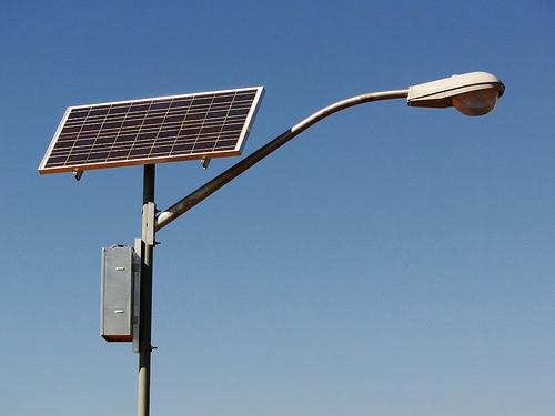 Energia solar em nossos postes?